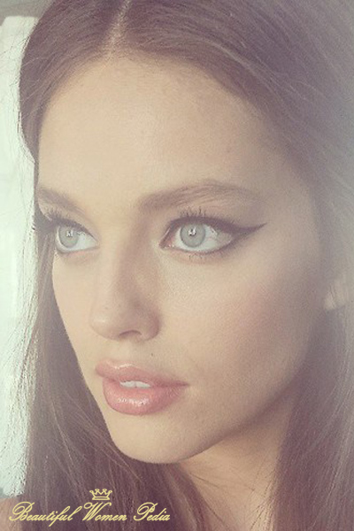 emily-didonato-american-beauty-without-photoshop